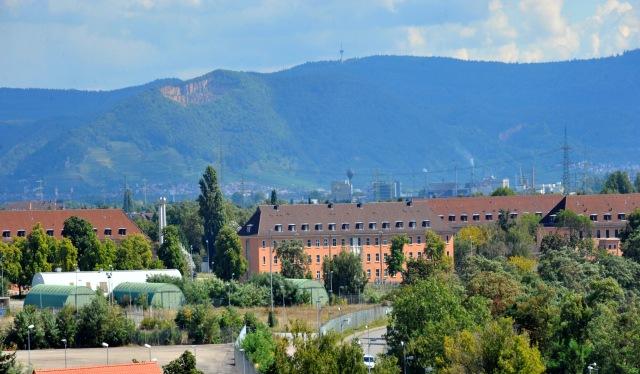 Können Platz für über 1.000 Asylsuchende bieten: Die Spinelli-Barracks. Foto: Manfred Rinderspacher